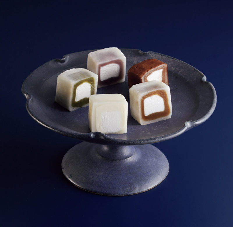 「宝月堂」MOCHI cube 15個入り(5,400円)
